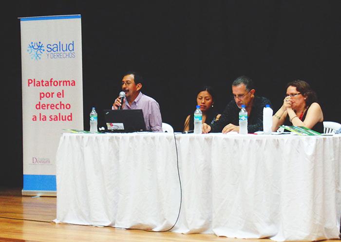 De izquierda a derecha: Dr. Alfredo Amores, Yolanda Omaka, Juan Cuvi y Milagros Aguirre.